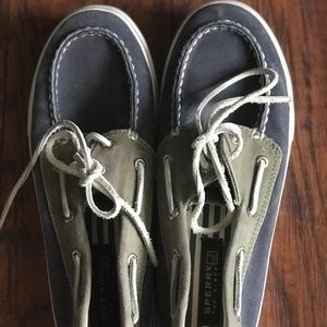 Sperry Boat Shoes Size 5